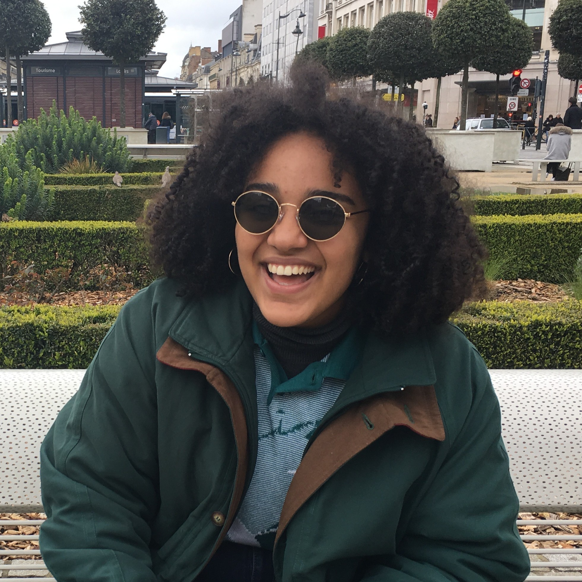 Meet Defne, an SYA France student