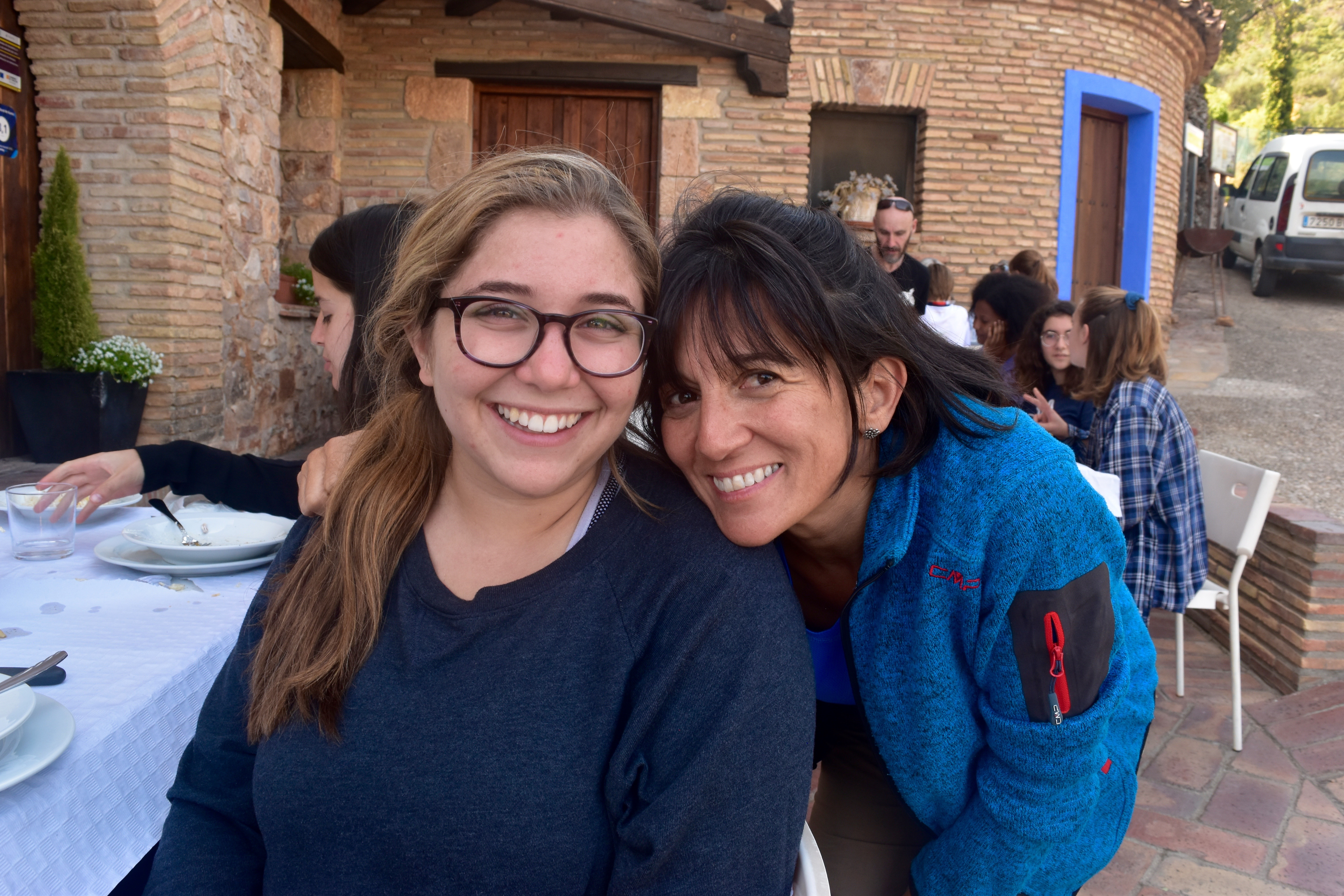 SYA Spain Summer student posts with host mom