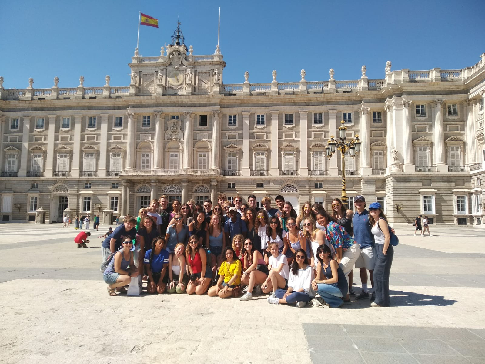 SYA Spain Summer students pose for group photo in plaza